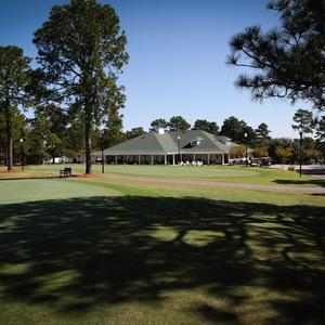Great practice facilities to sharpen your short game